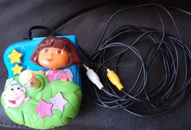 D044_TV-spel-Dora